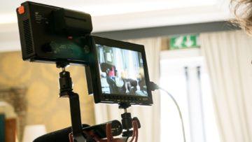 Il momento giusto per iniziare a parlare davanti alla telecamera è ora!
